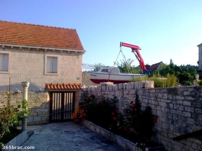 boat_crane_street